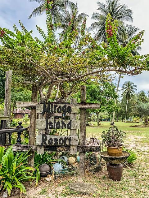 Mirage Island Resort pulau Besar
