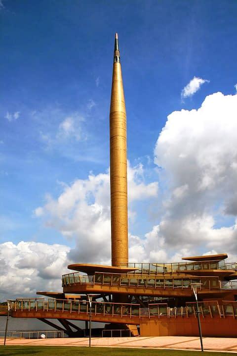 Миллениум статуя Путраджайя Малайзия